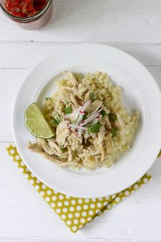 Slow Cooker Chicken Chile Verde - The Real Food Dietitians Whole30 Dinner Recipes, Paleo Chicken Recipes, Paleo Dinner, Real Food Recipes, Healthy Recipes, Slow Cooker Huhn, Slow Cooker Chicken, Slow Cooker Recipes, Crockpot Recipes