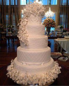 beautiful wedding cakes Vintage Wedding Food Ideas Beautiful Ca. Amazing Wedding Cakes, Elegant Wedding Cakes, Wedding Cake Designs, Wedding Cake Toppers, Luxury Wedding Cake, Elegant Cakes, Wedding Ceremony Script, Dream Wedding, Wedding Day