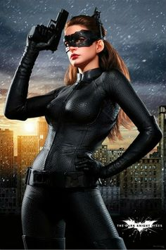 Anne Hathaway - Catwoman Cosplay - THE PILINGUI'S HOUSE