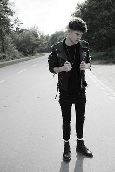 leather jacket & skinny jacket outfit men
