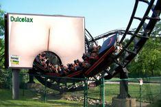 Afin de mettre en avant l'efficacité de Dulcolax – un remède contre la constipation – deux étudiants coréens ont eu l'idée de disposer un billboard directement sur un roller coaster.