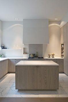 De series massief houten keukenfronten die Houtmerk aanbiedt zijn toe te passen op het METOD keukensysteem van Ikea. Het aanbod houten fronten maakt het Ikea keukenprogramma nog universeler. www.houtmerk.nl/eiken-keukenfronten-massief-hout-ikea