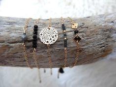 Bracelet fin orné d'une estampe en métal doré sur par byMissMel