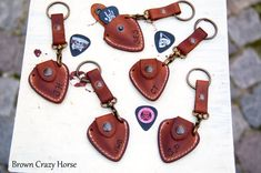 Personalized leather guitar pick holder with Initials - Include keychain & GIFT Strap - fathers day Diy Leather Gifts, Leather Craft, Leather Working Patterns, Leather Wristbands, Recycled Leather, Leather Pieces, Leather Projects, Leather Key, Leather Accessories