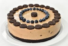Cheesecake fara coacere cu Oreo si Nutella (CC Eng Sub) No Cook Desserts, Sweets Recipes, Sweet Desserts, Delicious Desserts, Cheesecake Frio, Nutella Cheesecake, Eat Dessert First, Queso, Biscuit
