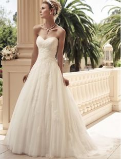 Tulle Sweetheart Neckline A-Line Wedding Dress with Lace Appliques - Bridal Gowns - RainingBlossoms