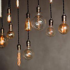 Tendance déco : zoom sur les ampoules à filament Pots, Decoration, Light Bulb, Sweet Home, Ceiling Lights, Interior Design, Lighting, Home Decor, Vases