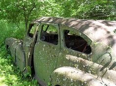 Another abandoned car Decorah IA  #abandoned #decorah #photography