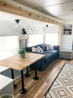 Tiny House Living, Rv Living, Small Living, Bus Camper, Camper Trailers, Camper Life, Rv Life, Rv Interior Remodel, Camper Renovation