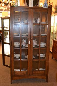 Mission Oak China cabinet / Arts and Crafts by OakParkAntiques, $1099.00