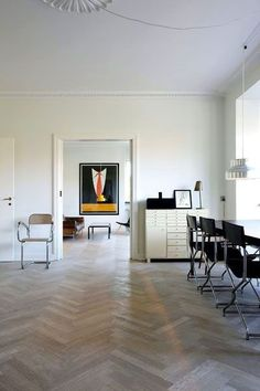 Classic parquet flooring company is specialist in Parquet flooring in herringbone, throughout the UK. We also provide Parquet Flooring Installers. Herringbone Floor Pattern, Chevron Floor, Herringbone Floors, Parquet Flooring, Hardwood Floors, House And Home Magazine, Interior Design Kitchen, Home And Living, Living Room