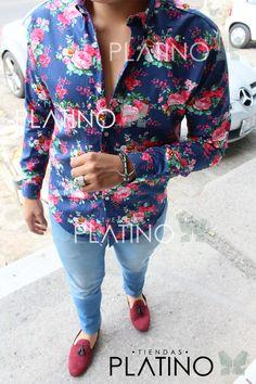 Camisa Slim Fit Azul Floreada, Envíos a todo México, hecho en Moon & Rain company por Tiendas Platino www.tiendasplatino.com.mx   #highlife #life #México #modahombre #follow4follow #followback #luxurylifestyle #hechoenmexico #menwithclass #flowers #luxurylife #luxury #lifestyle #lifeisgood #lifeisbeautiful #mocasin #mensstyle #highfashion #shoes #menstyle #mensfashion #fashion #menswear #loafer #tiendasplatino #fashionmen #fashionblogger #camisa #moon&rain