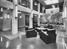 The First Class Hall d'Embarquement (Embarkation Hall) of the Liberté (Liberte), flagship of Compagnie Générale Transatlantique, more commonly known as The French Line. 1950.