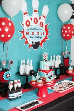 Find the best bowling Party Decorations! Do you need decorations ideas for your bowling party? Here are some cool bowling party decoration ideas. Dessert Party, Birthday Party Desserts, Boy Birthday Parties, Birthday Party Invitations, Dessert Table, Birthday Kids, Kids Bowling Party, Bowling Party Themes, Kids Party Decorations