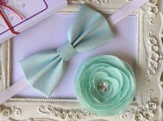 Set Broche fleur et Noeud papillon élégant Vert Menthe pour elle et lui : Cravates par fleurs-de-provence