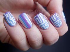 Maze Patterned Gradient Nails