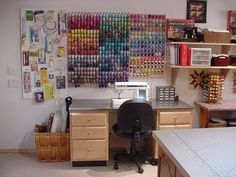 Love this sewing room, very organized!