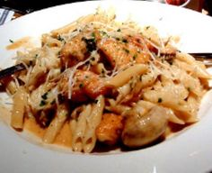 Pasta Da Vinci from Cheesecake Factory Recipe  oh my god this is my life this is my favorite dish from Cheesecake Factory...