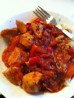 Poulet basquaise - 4 pp Traditional French Recipes, Weigh Watchers, French Food, Ratatouille, Food Porn, Food And Drink, Chicken, Meat, Cooking