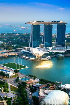 Amazing city view. #Singapore #placestotravel #travelideas #traveldestinations #vacationideas www.haisitu.ro