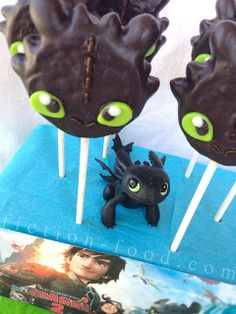 Toothless Cookie Pops for How to Train Your Dragon 2 --Movie Night