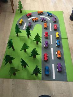 recycler bricolage PÂQUES GS - BúsquedadeGoogle Creative Activities For Kids, Toddler Activities, Projects For Kids, Preschool Activities, Diy For Kids, Crafts For Kids, Toilet Paper Roll Crafts, Paper Crafts, Die Wilde 13