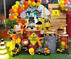 Play Mobile, Construction Birthday Parties, Ideas Para Fiestas, Baby Birthday, Birthday Party Decorations, Cars, Dump Truck Party, Construction Theme Party, Girl Car