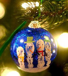 8 Christmas handprint crafts for preschoolers and young kids. These easy holiday crafts include snowmen, Santas and reindeer. Christmas Handprint Crafts, Christmas Crafts For Kids, Holiday Crafts, Holiday Fun, Fun Crafts, Christmas Gifts, Christmas Ideas, Festive, Ornament Crafts