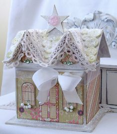Paper Gingerbread House - 4 more are on the link. Darling!