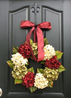 Holiday Wreaths, Christmas Wreath, Christmas Hydrangeas, Traditional Front Door Wreaths, Holiday Home Decor