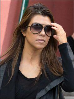 Kourtney Kardashian, ahh I want her sunglasses!!
