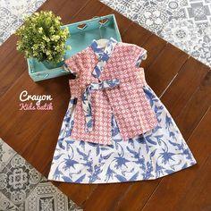 Batik anak Baby Romper Pattern, Baby Girl Romper, Little Girl Dresses, Girls Dresses, Girl Tutu, Party Dresses, Batik Fashion, Diy Fashion, Fashion Kids