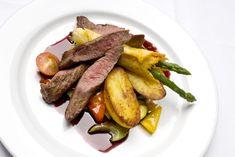 Rødvinssaus til biffen med Hoff Potetmel Pesto, Sausage, Food Porn, Beef, Meat, Sausages, Ox, Ground Beef, Steaks