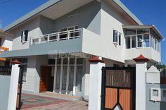 Maison/villa - 6 chambres - 280m²