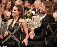 Angelina Jolie and Brad Pitt kiss their way through the SAG Awards Angelina And Brad Pitt, Brad And Angie, Cute Celebrity Couples, Jolie Pitt, Sag Awards, Michael Jackson, Role Models, Hollywood, Actors