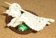 knitting for Amelia Amelia, Christmas Ornaments, Knitting, Bedroom, Holiday Decor, Home Decor, Xmas Ornaments, Room, Homemade Home Decor
