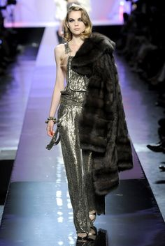 Jean Paul Gaultier Fall 2009 Couture Fashion Show - Kim Noorda