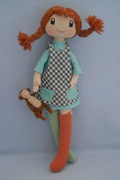 Pippi Longstocking by TinasDoll on Etsy… Fabric Doll Pattern, Fabric Dolls, Projects For Kids, Crafts For Kids, Pippi Longstocking, Wire Crafts, Waldorf Dolls, Doll Hair, Art Dolls