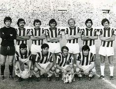 Fenerbahçe(1971-72) İzmir Atatürk Stadı'nda... Ayaktakiler:Rasim, Miço Mustafa, Serkan, Muharrem, Levent, Cevher ve Fuat. Oturanlar: Canan,...,Şükrü, Osman.
