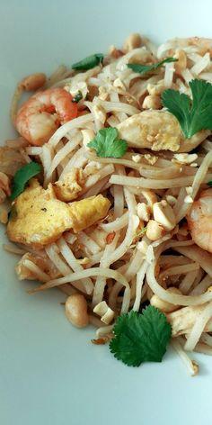 Thai Recipes, Asian Recipes, Healthy Recipes, Tuna Casserole, Monkey Bread, Wok, Nutrition, Food And Drink, Snacks