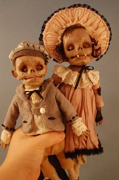 Junior Fritz Jacquet - It's easy to mistake these Junior Fritz Jacquet creations for actual tribal mask artifacts from exotic lands, but, believe it or not, these c. Creepy Toys, Scary Dolls, Creepy Art, Kool Aid, Diy Recycling, Marionette, Haunted Dolls, Foto Real, Halloween Doll