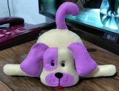 Toys made of felt. Schemes and patterns of felt toys for beginners Dog Crafts, Felt Crafts, Crafts For Kids, Animal Sewing Patterns, Felt Patterns, Sewing Stuffed Animals, Stuffed Animal Patterns, Fabric Animals, Felt Animals