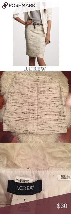 J. Crew Oak Tweed Skirt J. Crew Oak Tweed Skirt. Lined. 100% Silk front but feels like Tweed. Back zipper. 20.5 inches long. Back slit. Cream with brown mixed in. Gently worn. Great condition. Feel free to make an offer or bundle & save! J. Crew Skirts Pencil