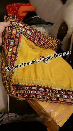 Wahoo so beautifully Embroidery On Kurtis, Hand Embroidery Dress, Kurti Embroidery Design, Embroidery Works, Creative Embroidery, Indian Embroidery, Applique Dress, Pakistani Dresses Casual, Pakistani Bridal Dresses