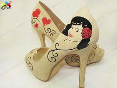 Personalización de Zapato Md. Betty Page 01. Pintado a mano por CREATE http://goo.gl/uvL6lB Amplia gama de colores y numeración.