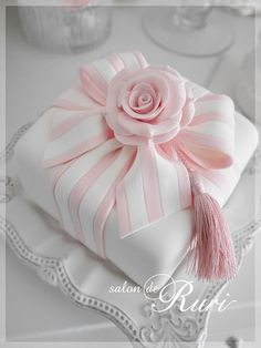 Annie Rymell anniewhatever Cakes and sweets Indian Weddings Inspirations Pink We… Fancy Cakes, Cute Cakes, Pretty Cakes, Cake Icing, Fondant Cakes, Cupcake Cakes, Bow Cakes, Pink Cakes, Cake Roses