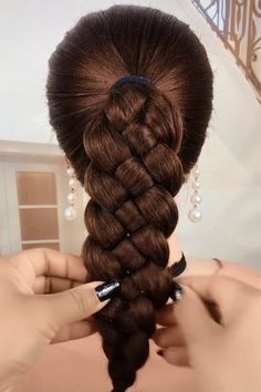 Pretty Braided Hairstyles for Hair Type Easy Hairstyles Braided hair Hairstyles Pretty Type Pretty Braided Hairstyles, Easy Hairstyles For Long Hair, Diy Hairstyles, Hairstyles Videos, Simple Elegant Hairstyles, Tomboy Hairstyles, School Hairstyles, Formal Hairstyles, Everyday Hairstyles