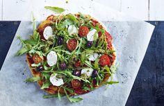 Nydelig pizza med mozzarella og pesto!
