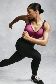 Confidence now comes in sizes C to E. Get a snug and supportive fit in the new Nike Pro Hero bra.