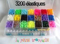 ♥ 3200 élastiques! ♥ Moi j'arriverais à tous les former en bracelets ou en formant des animaux et d'autre trucs encore...